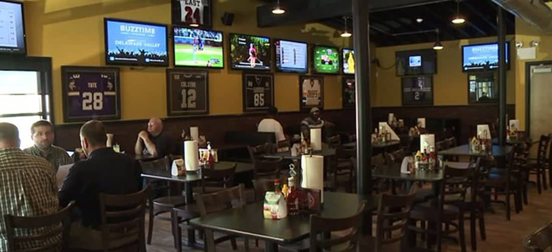 underdog sports bar and grill